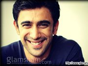 KAI PO CHE! actor Amit Sadh crowd puller amongst girls!