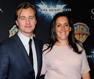 El cineasta Christopher Nolan (i) y su esposa, la productora Emma Thomas, llegan a la presentacin de &quot;The Dark Knight Rises&quot; el 24 de abril de 2012 en Las Vegas, Nevada. El ltimo filme de la triloga de Batman, encabez las taquillas norteamericanas (EEUU y Canad) por tercer fin de semana consecutivo, segn cifras provisorias de la firma especializada Exhibitor Relations difundidas el domingo. (AFP/GETTY IMAGES | ethan miller)