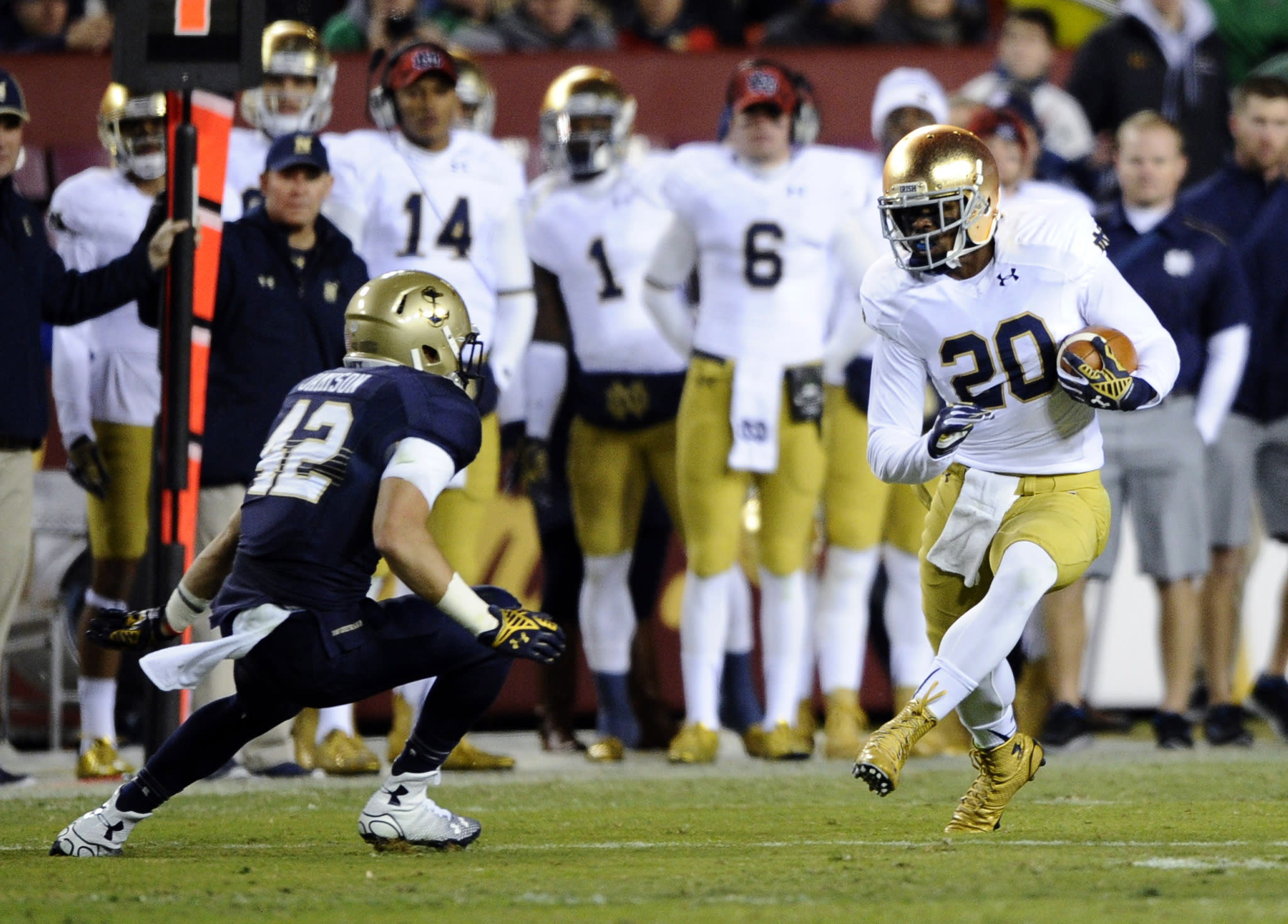 Report: Group pushing for Navy-Notre Dame game in San Diego