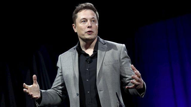 Elon Musk is coming for Uber, along with everyone else