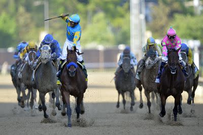 American Pharoah jockey Victor Espinoza after Kentucky Derby win: 'I feel like the luckiest Mexican on earth'