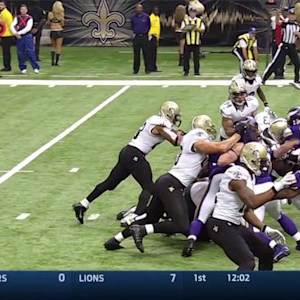 New Orleans Saints running back Pierre Thomas 1-yard TD run