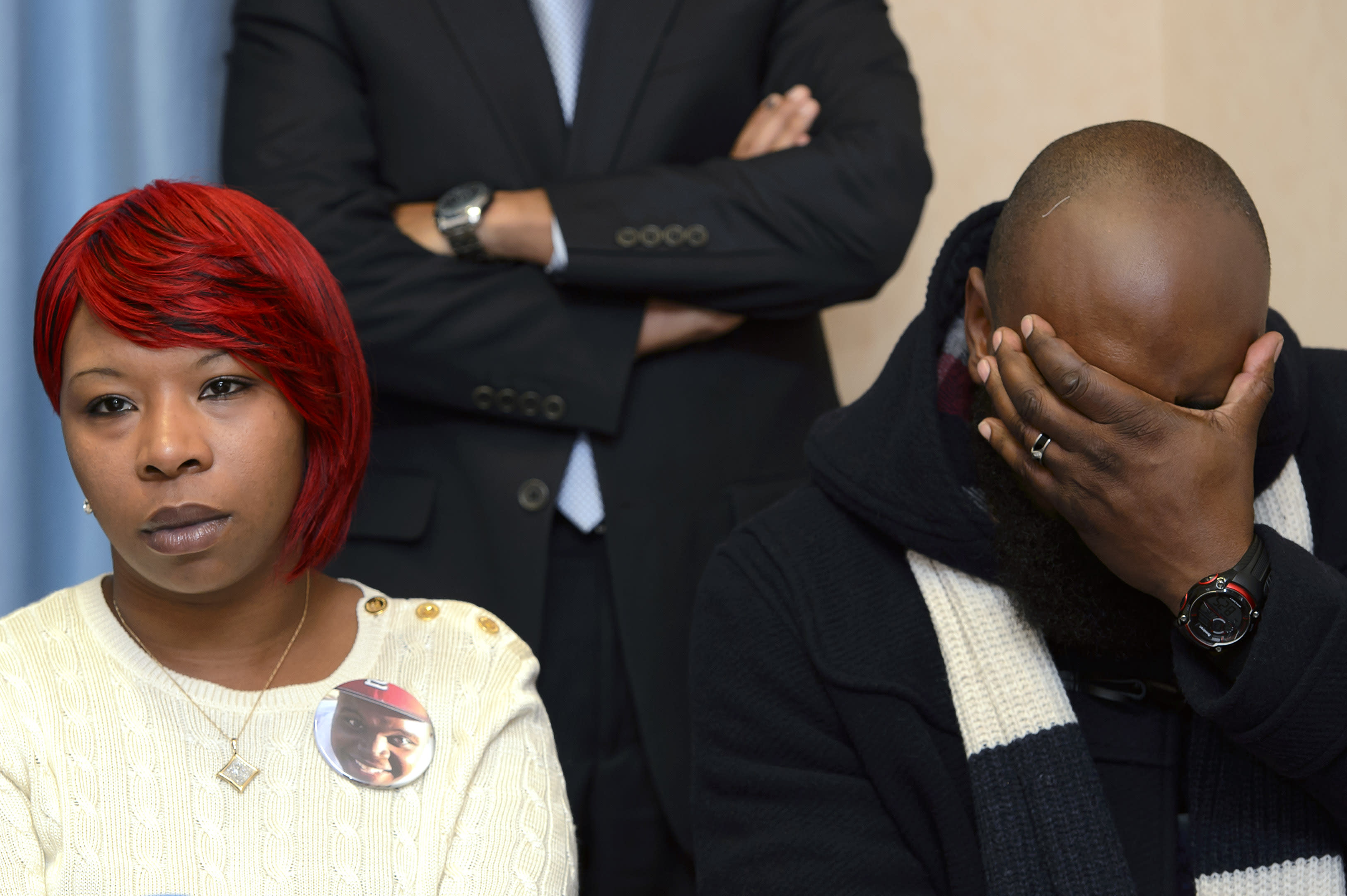 Michael Brown's parents announce civil lawsuit in death