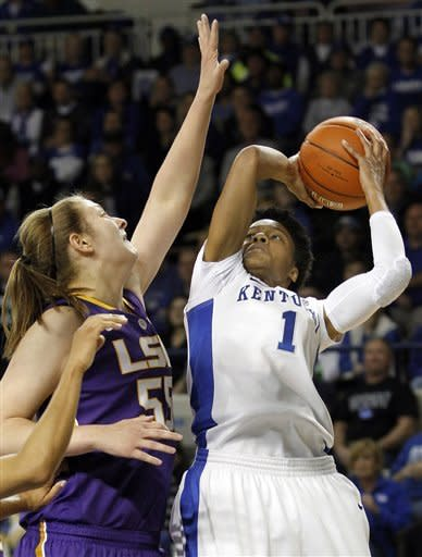 No. 5 Kentucky women top LSU 73-60