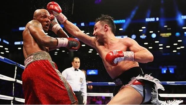 Boxing - Malignaggi beats Judah amid crowd boos