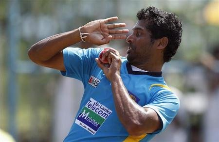Sri Lanka's Chanaka Welegedara bowls during a practice session ahead of their first test cricket match against New Zealand in Galle November 16, 2012. REUTERS/Dinuka Liyanawatte