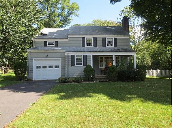 Yahoo! Homes of the Week: $900,000 homes westport
