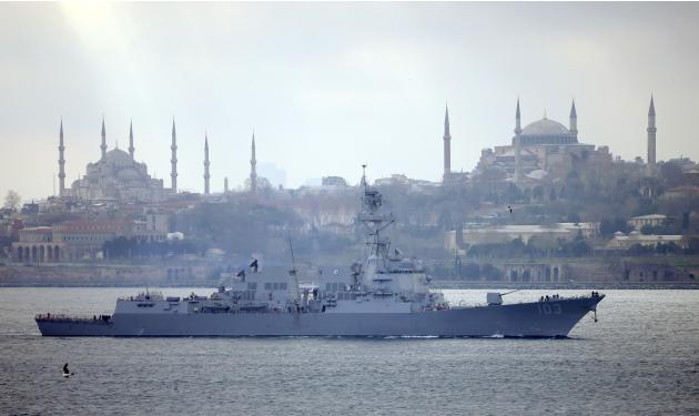 U.S. Navy guided-missile destroyer USS Truxtun sets sail in the Bosphorus on its way to the Black Sea