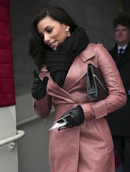 Actress Eva Longoria arrives on the West Front of the Capitol in Washington, Monday, Jan. 21, 2013, for the Presidential Barack Obama&#39;s ceremonial swearing-in ceremony during the 57th Presidential Inauguration. (AP Photo/Win McNamee, Pool)