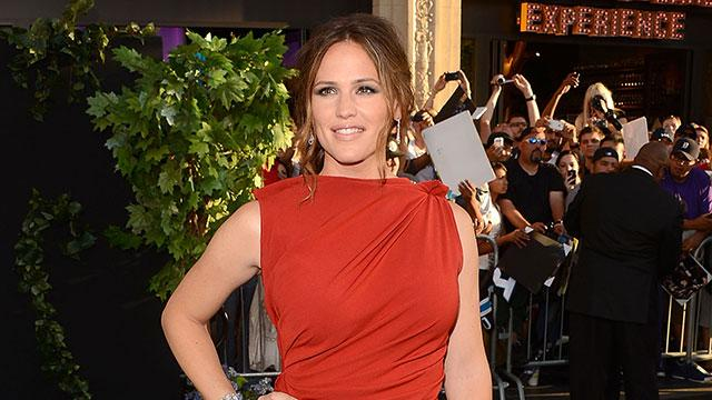 Jennifer Garner Named Celebrity Mother of the Year