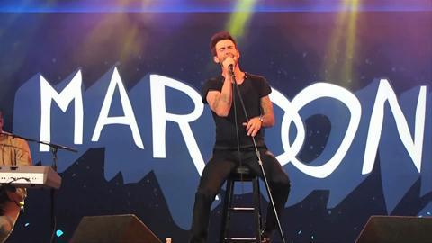 """CES 2013: Maroon 5 Performs """"One More Night"""""""