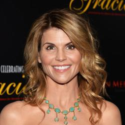 Aunt Becky Is Officially Returning For 'Fuller House'