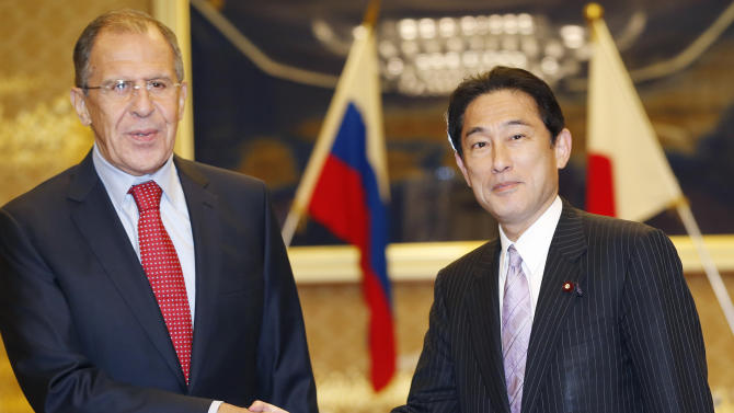 Japan, Russia to keep talking territorial issue