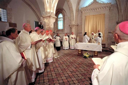 Pope John Paul II delivers mass at the Church of the Dormition in Jerusalem on March 23, 2000
