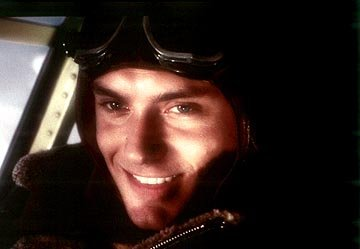 Jude Law as Sky Captain in Paramount's Sky Captain and The World of Tomorrow