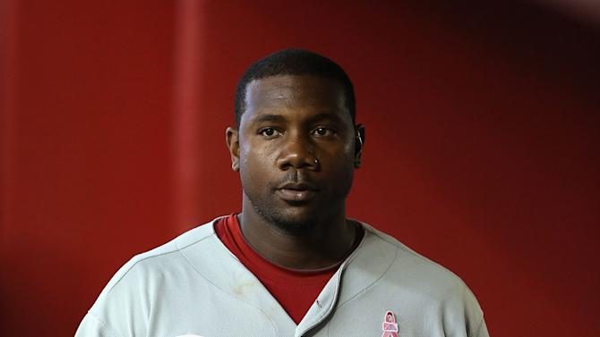 PHOENIX, AZ - MAY 12:  Ryan Howard #6 of the Philadelphia Phillies walks through the dugout during the MLB game against the Arizona Diamondbacks at Chase Field on May 12, 2013 in Phoenix, Arizona.  The Phillies defeated the Diamondbacks 4-2 in 10 innings. (Photo by Christian Petersen/Getty Images)