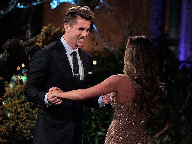 Bachelorette Contestant Jordan Rodgers Accused of Cheating by Trainer Claiming to Be His Girlfriend: '#TuneInNextWeekForMoreBS'