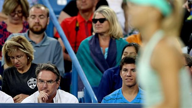 Jimmy Connors coaches Maria Sharapova of Russia as she plays Sloane Stephens during the Western & Southern Open (AFP)