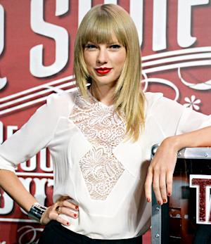 "Taylor Swift on Working Alongside Meryl Streep, Katie Holmes, Jeff Bridges in The Giver: ""It Was Unreal"""