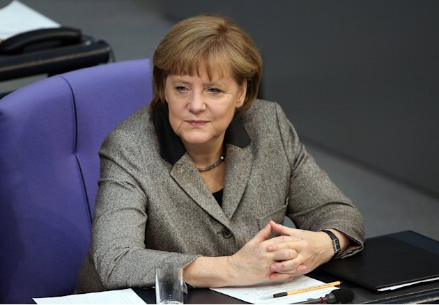 Merkel Gives Government Declaration �