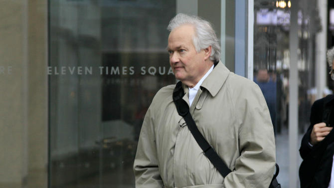 National Hockey League Players' Association executive director Donald Fehr arrives for talks with the NHL, Friday, Nov. 9, 2012,  in New York. The league and the players' association met Friday for the fourth straight day and fifth time in seven days, trying to reach an agreement to end the lockout. (AP Photo/Richard Drew)