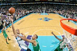 Davis tip lifts Hornets over Celtics, 87-86
