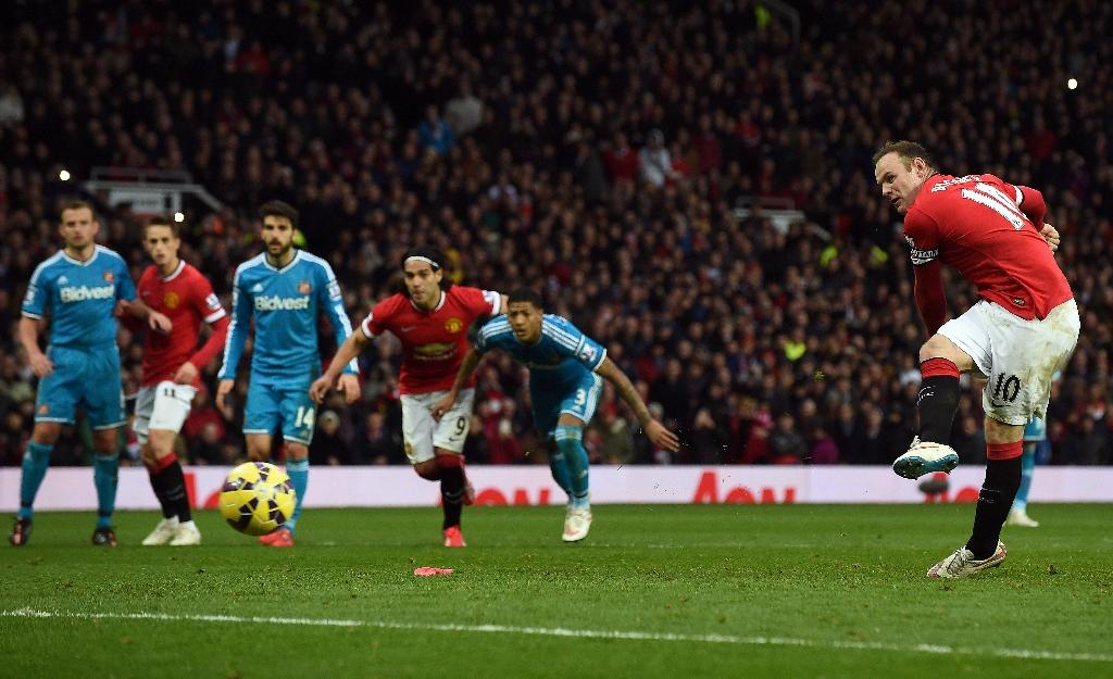 Rooney fires Man United after Brown goes red