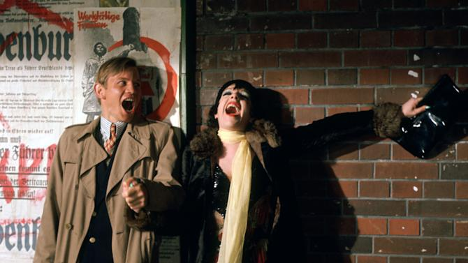"This 1972 photo released by Warner Bros. Home Video shows Michael York as Brian Roberts, left, and Liza Minnelli as Sally Bowles in a scene from ""Cabaret.""  The landmark film ""Cabaret"", starring Liza Minnelli, Joel Grey and Michael York, has turned 41. All three actors will be attending an anniversary celebration screening planned Thursday, Jan. 31, 2013, at the Ziegfeld Theatre, where the movie first premiered in 1972.  (AP Photo/Warner Bros. Home Video)"