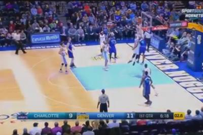 Gerald Henderson throws down a big dunk on Jusuf Nurkic