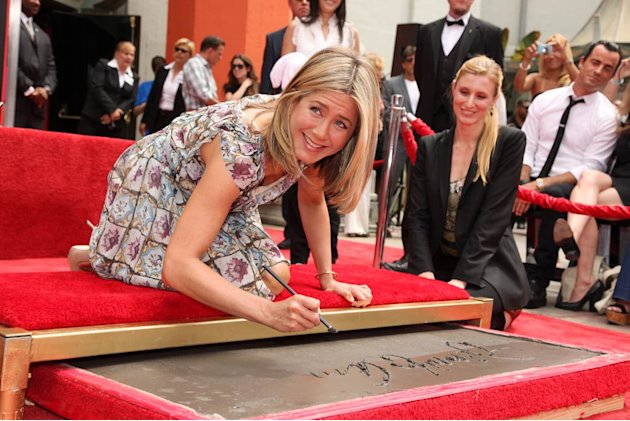 J Ennifer Aniston Hand And Foot Crmny