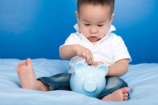 Do babies born during a recession have more problems as they grow up? (Photo: Thinkstock)
