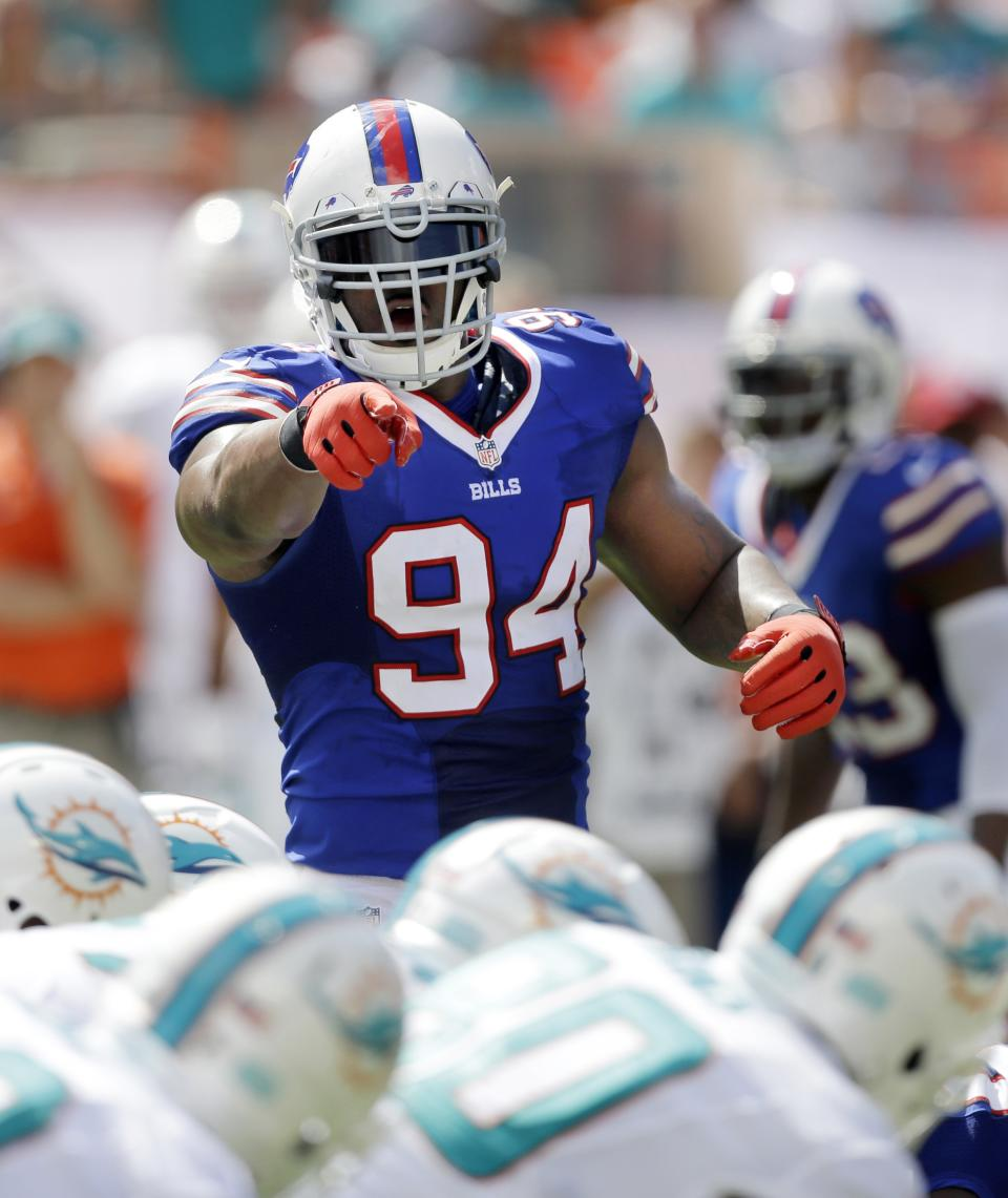 Super Mario leads sack-happy Bills attack