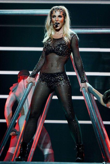 Ouch! See Britney\'s Ankle Boot