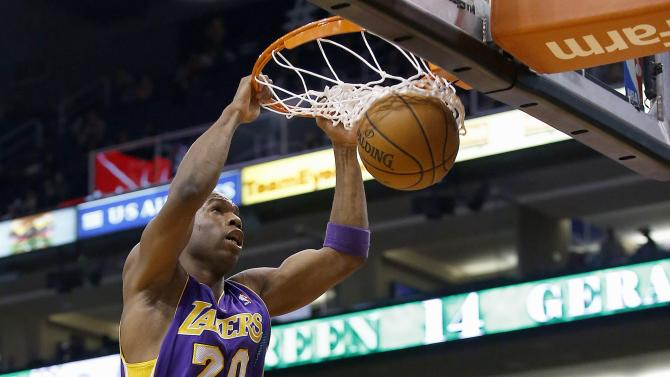 Green leads Suns past struggling Lakers, 121-114