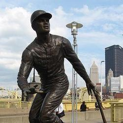 It's Time for MLB to Celebrate Roberto Clemente Day