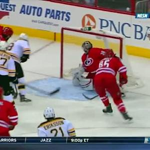 Carl Soderberg sets up Reilly Smith for goal