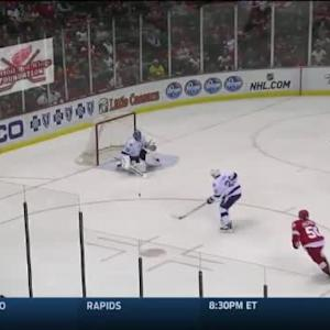 Ben Bishop Save on Teemu Pulkkinen (05:33/1st)