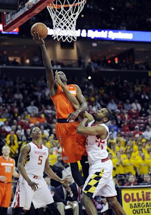 No. 4 Syracuse beats Maryland 57-55 to end skid
