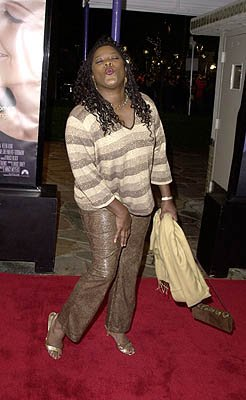 Smoochin' Loretta Devine at the Westwood premiere of Paramount's What Women Want