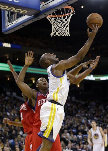 Lee's double-double lifts Warriors past 76ers