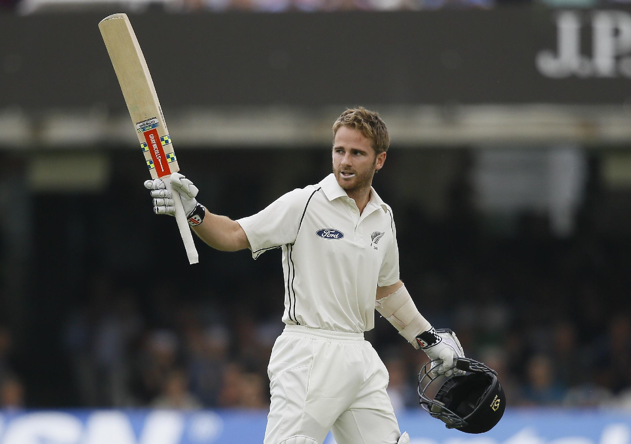 England trail NZ by 60 with 8 wickets left after day 3