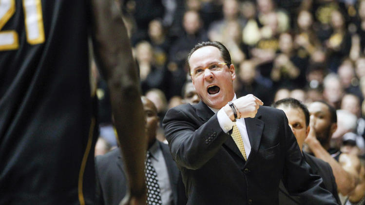Wichita State coach Gregg Marshall yells to Ehimen Orukpea during the first half of an NCAA college basketball game against Creighton on Saturday, Jan. 19, 2013 at Charles Koch Arena in Wichita, Kan. (AP Photo/The Wichita Eagle, Travis Heying)