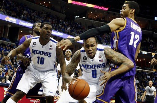 Barton leads Memphis over East Carolina 70-47