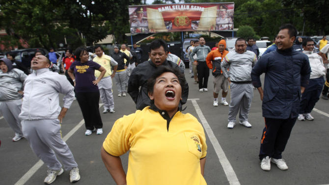 Fat police officers told to exercise in Indonesia