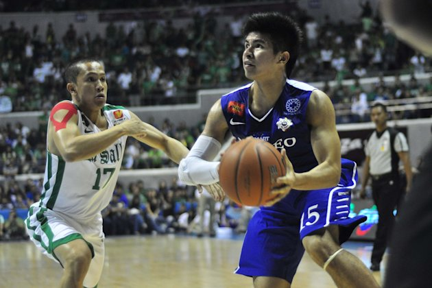 Kiefer Ravena scores 28 points to lead Ateneo to the finals. (NPPA)