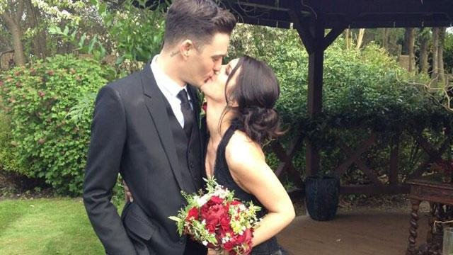 '90210' Star Shenae Grimes Ties the Knot