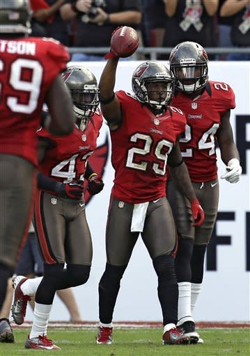 Surging Bucs beat Chargers 34-24 for 3rd in row