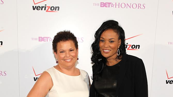 BET Honors 2013: Debra Lee Pre-Dinner - Red Carpet
