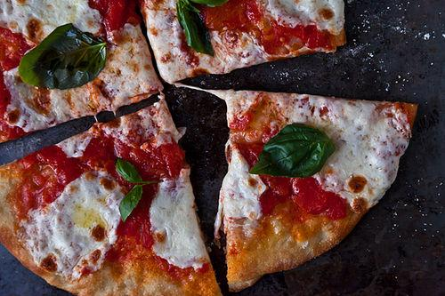 Jim Lahey's No-Knead Pizza Dough and Margherita Pie