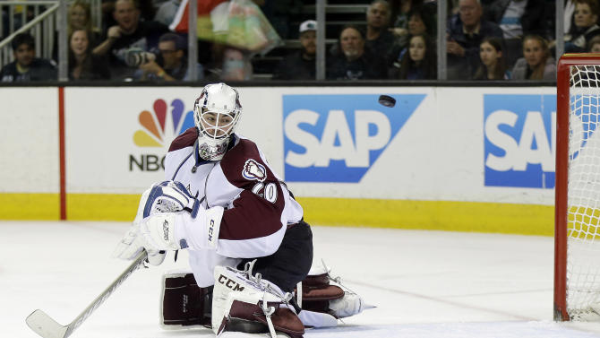 Havlat scores 3 as Sharks beat Avalanche 5-1
